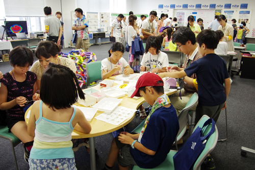 産業技術総合研究所東北センター(仙台市宮城野区)で8月10日に行われた一般公開のようす