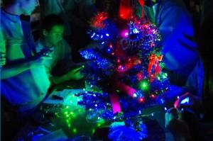 光って音を伝えるクリスマスツリー作り