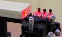 光通信のしくみ、学んで体感/応用物理学会が愛宕中で理科教室