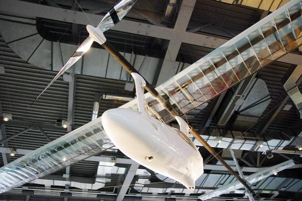 仙台市科学館内に新しく展示された人力飛行機