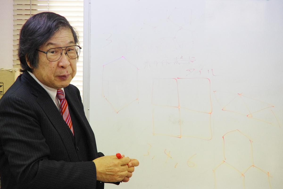 ゲストスピーカーをお務めいただいた、東北大学未来科学技術共同研究センターのシニアリサーチフェローで、科学協力学際センター代表理事の川添良幸先生(東北大学名誉教授)。